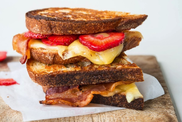 Strawberry Bacon Gouda Grilled Cheese Sliders