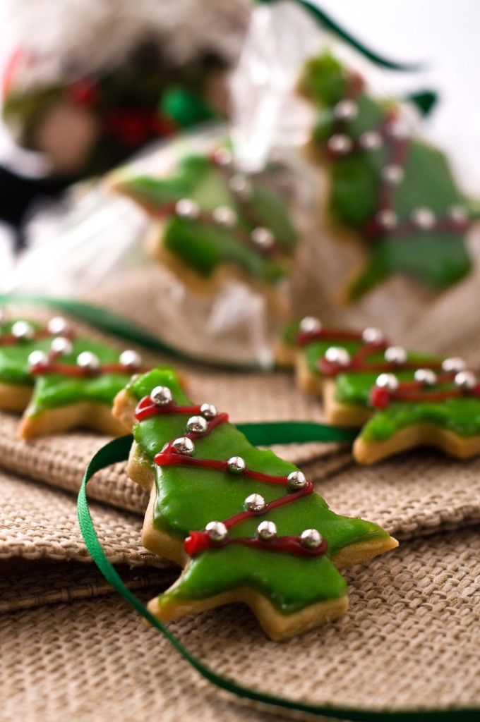 2013-11-20_Correale-almond-butter-christmas-tree-cookies-full